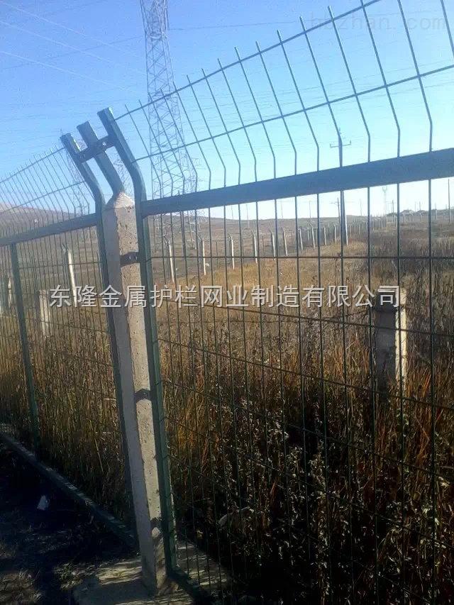 铁路线路防护栅栏钢筋混凝土立柱